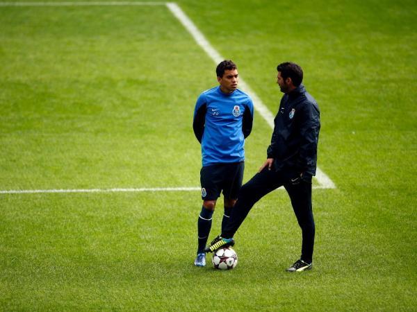FC Porto: travão europeu para a afirmação de Carlos Eduardo