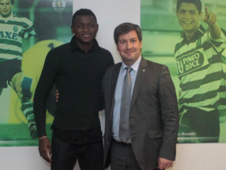 Sporting: Lewis Enoh a caminho do Lokeren
