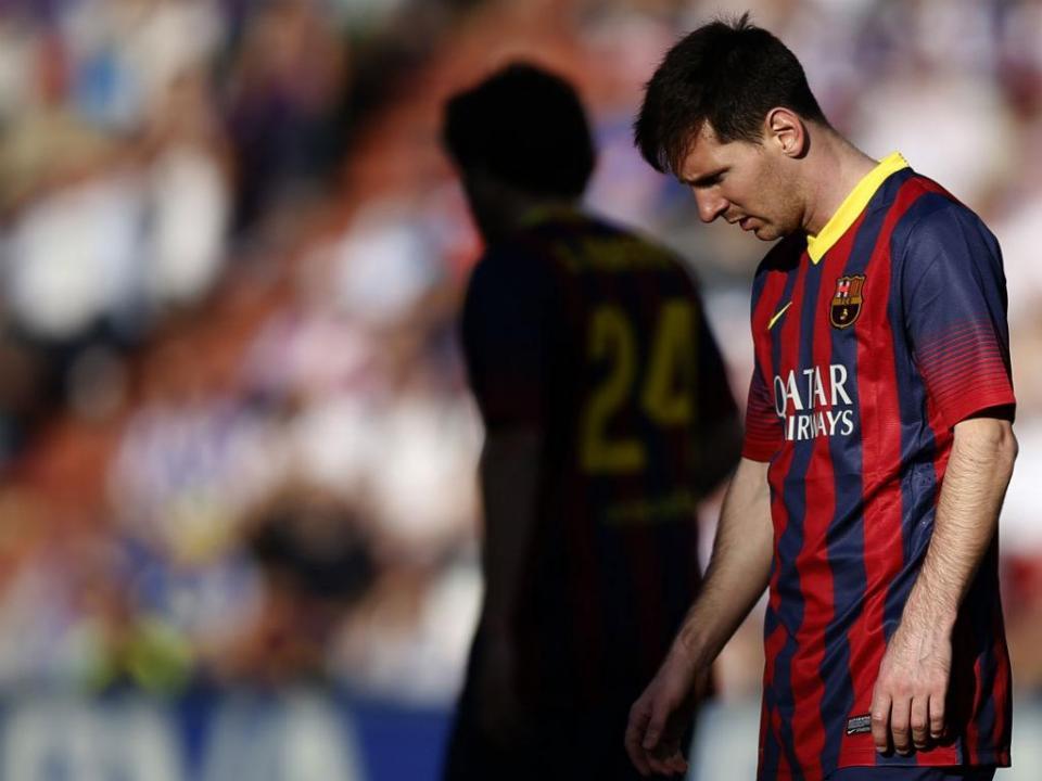 bf5880b255 Xavi recorda o primeiro treino de Messi na equipa principal do Barcelona. «