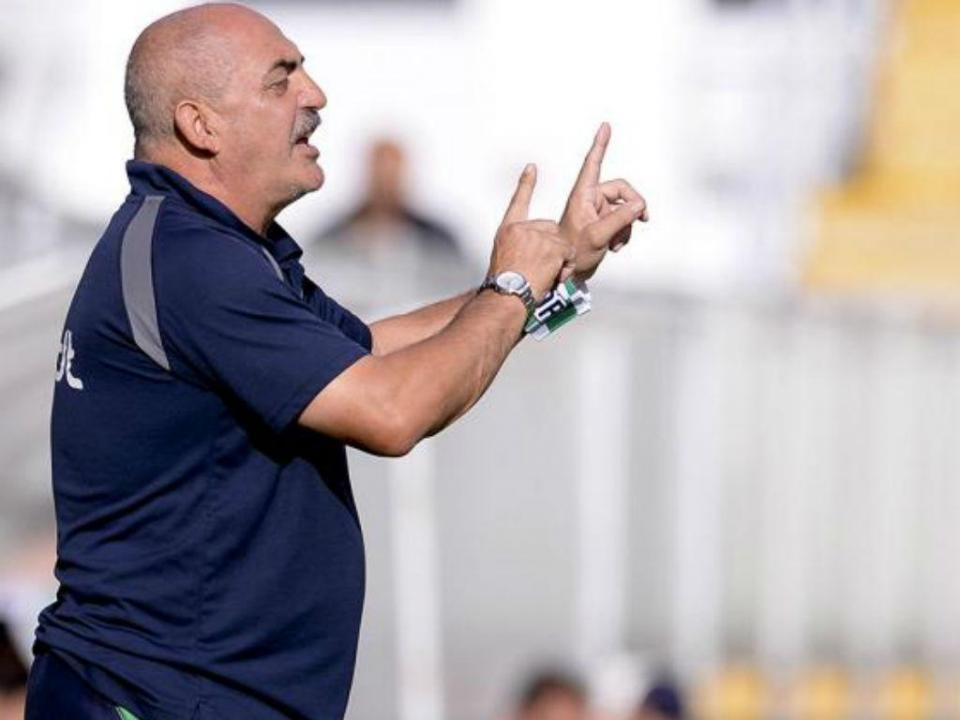 Portimonense: Vitor Oliveira assume luta pela subida