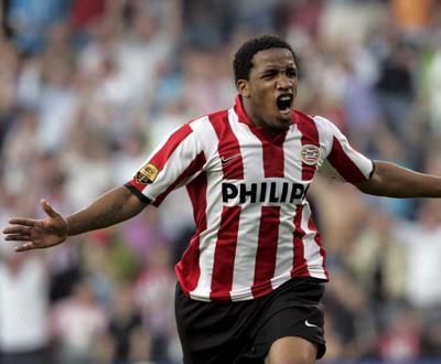 Holanda: PSV vence e reentra na luta pelo segundo lugar