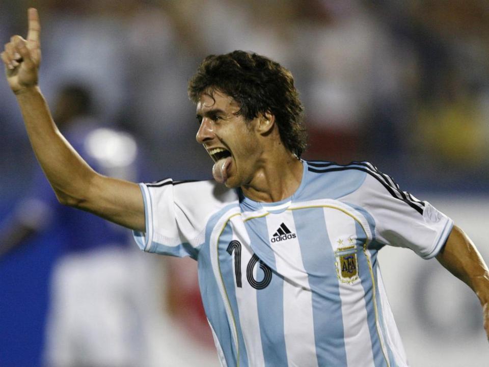 Pablo Aimar indica o jogador mais parecido a si na Argentina