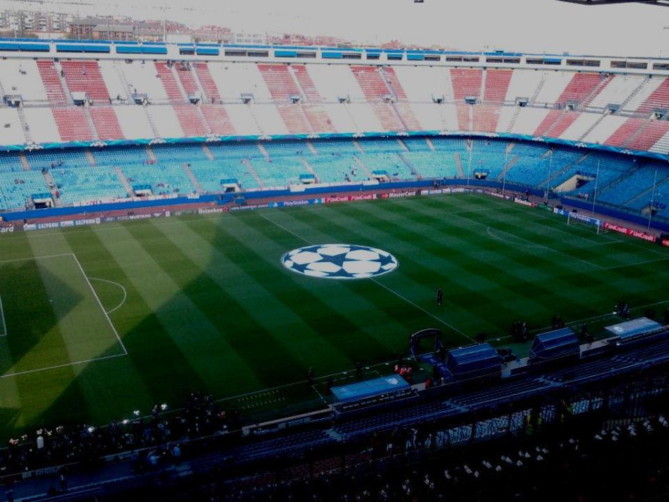 Vicente Calderón evitou a humilhação e «sentou» o Atl. Madrid no topo
