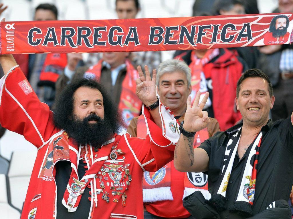 Presidente do Bayern tem dúvidas quanto ao número de sócios do Benfica