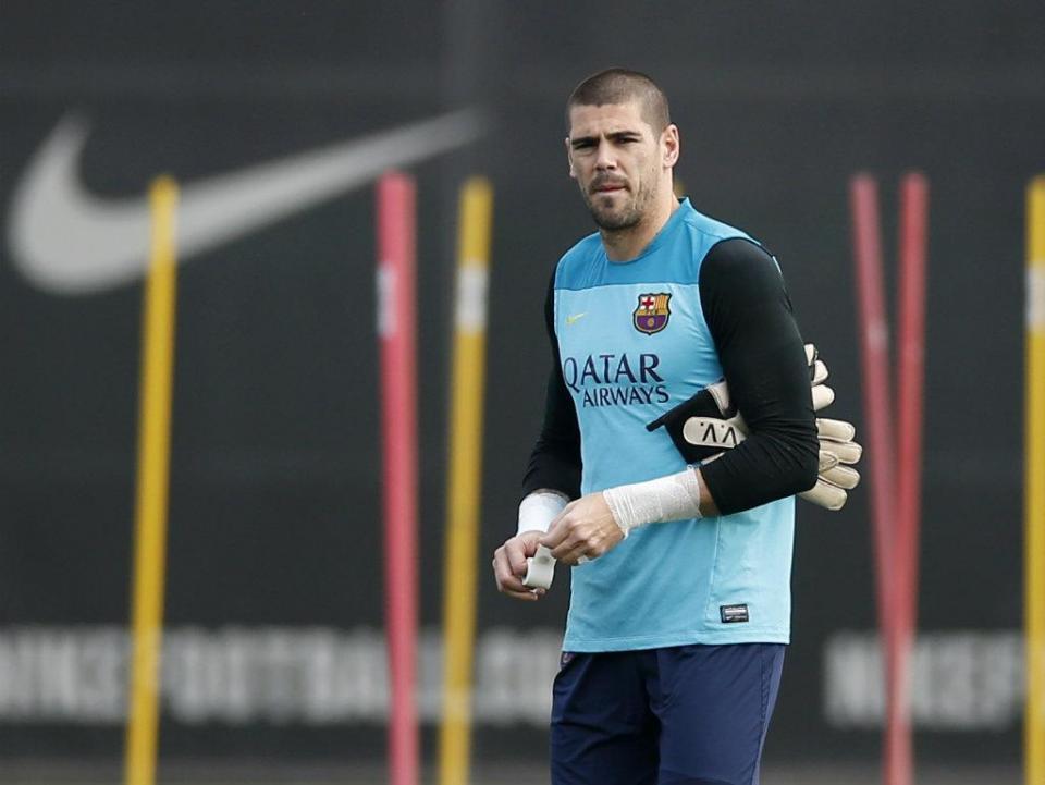 Van Gaal convidou Valdés a terminar a recuperação no United