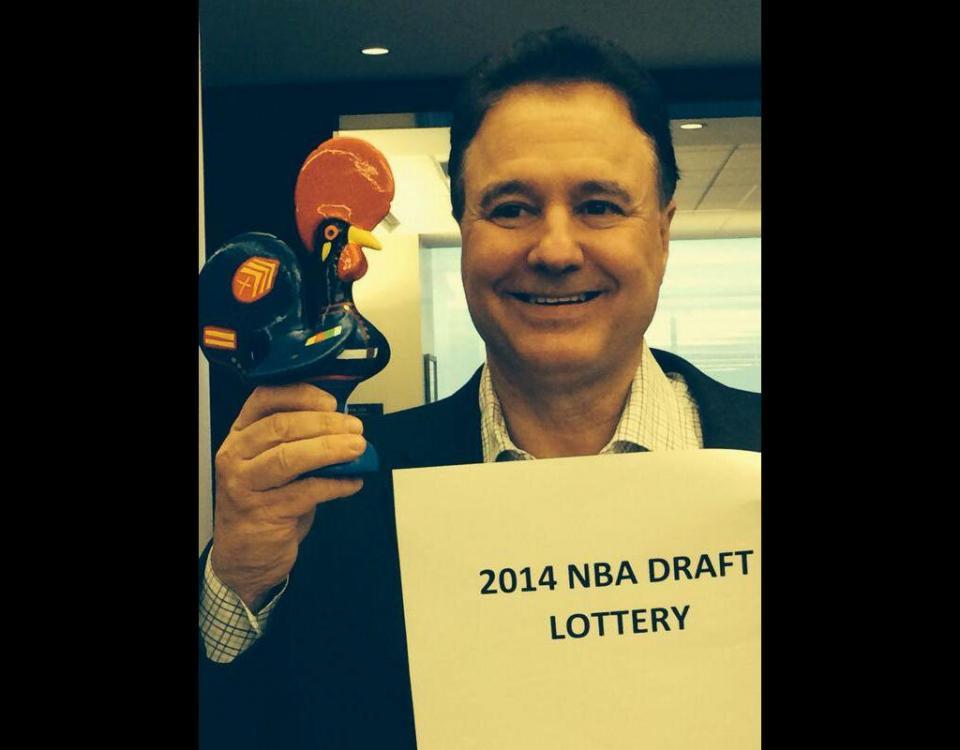 98e35c33f6651 Um galo de Barcelos para dar sorte no draft da NBA   Maisfutebol.iol.pt