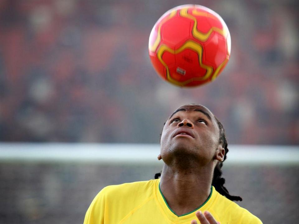Autor do golo inaugural do Mundial 2010 muda-se para a Turquia
