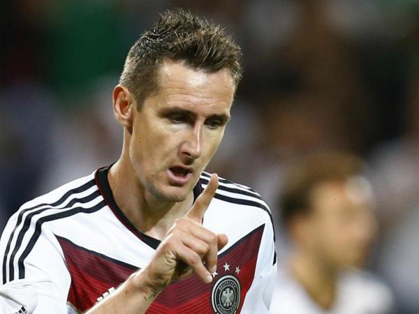 Klose torna-se o melhor marcador da história dos Mundiais