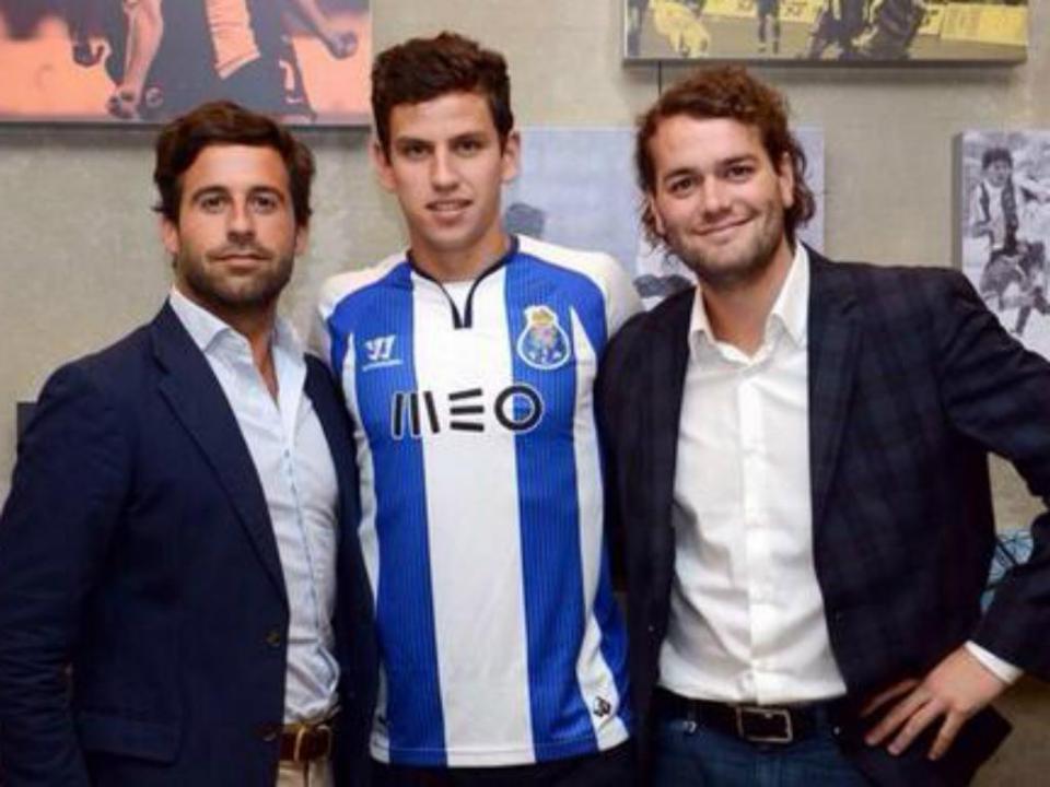 FC Porto: mais de quatro milhões por Kayembe e Lichnovsky