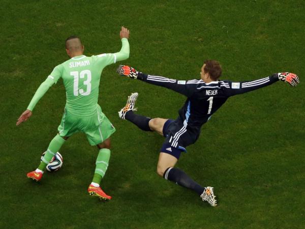 No final ganha a Alemanha com Neuer a fazer de Beckenbauer