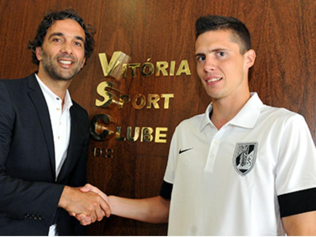 V. Guimarães anuncia extremo Benjámin Balázs