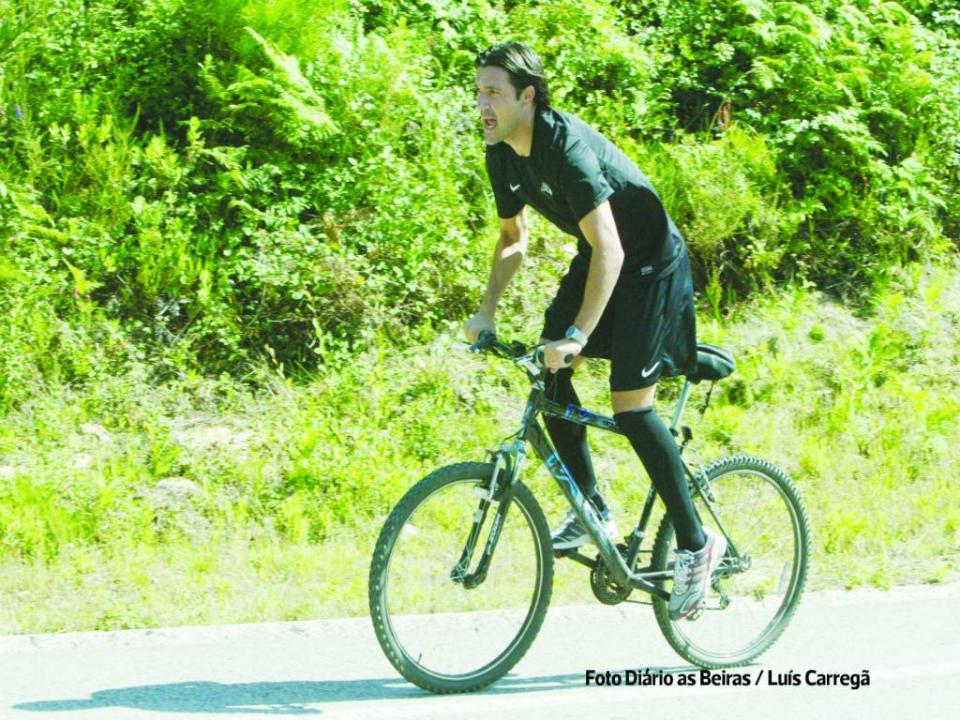 Académica: Fernando Alexandre troca autocarro pela bicicleta