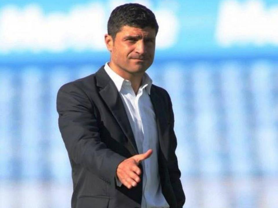 «Não é fácil controlar jogadores como Quintero ou Brahimi»