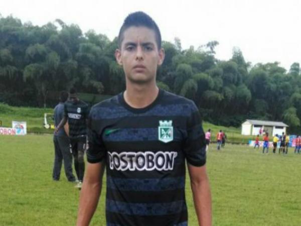 FC Porto: avançado colombiano para os sub19
