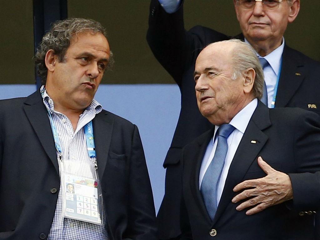 Blatter: «É preciso que Platini regresse»