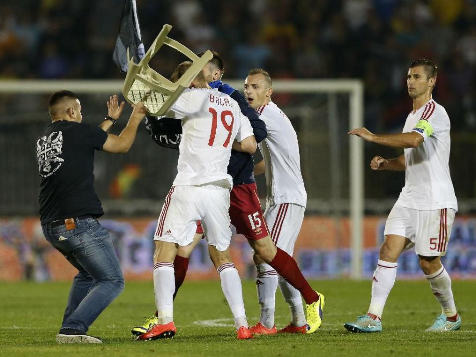 UEFA aplica sanções a Sérvia e Albânia por causa de confrontos