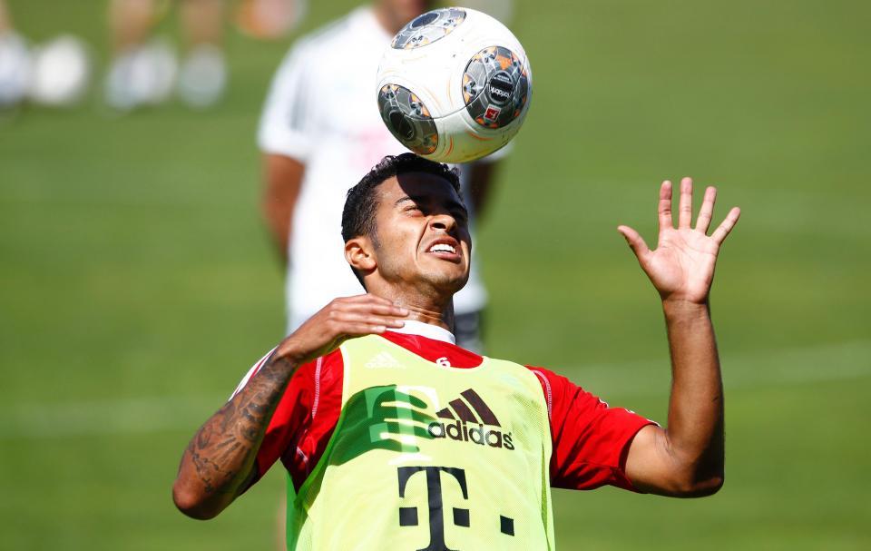 Bayern: Thiago Alcántara operado com êxito em Barcelona