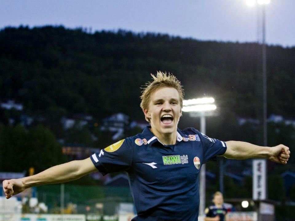 Odegaard: mais dois golos decisivos do prodígio de 15 anos