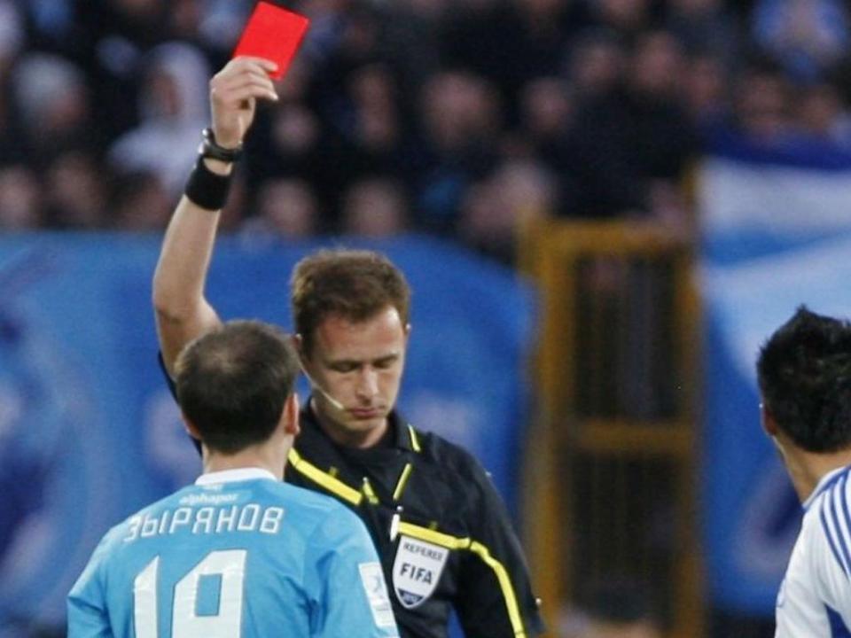 Vitaliy Meshkov: quem é o árbitro de baliza que tramou o Sporting?