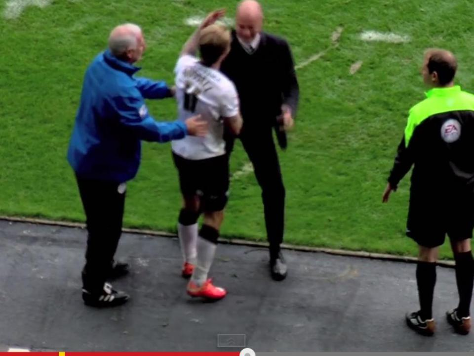 Jogador do Derby County «atropela» treinador do Wigan