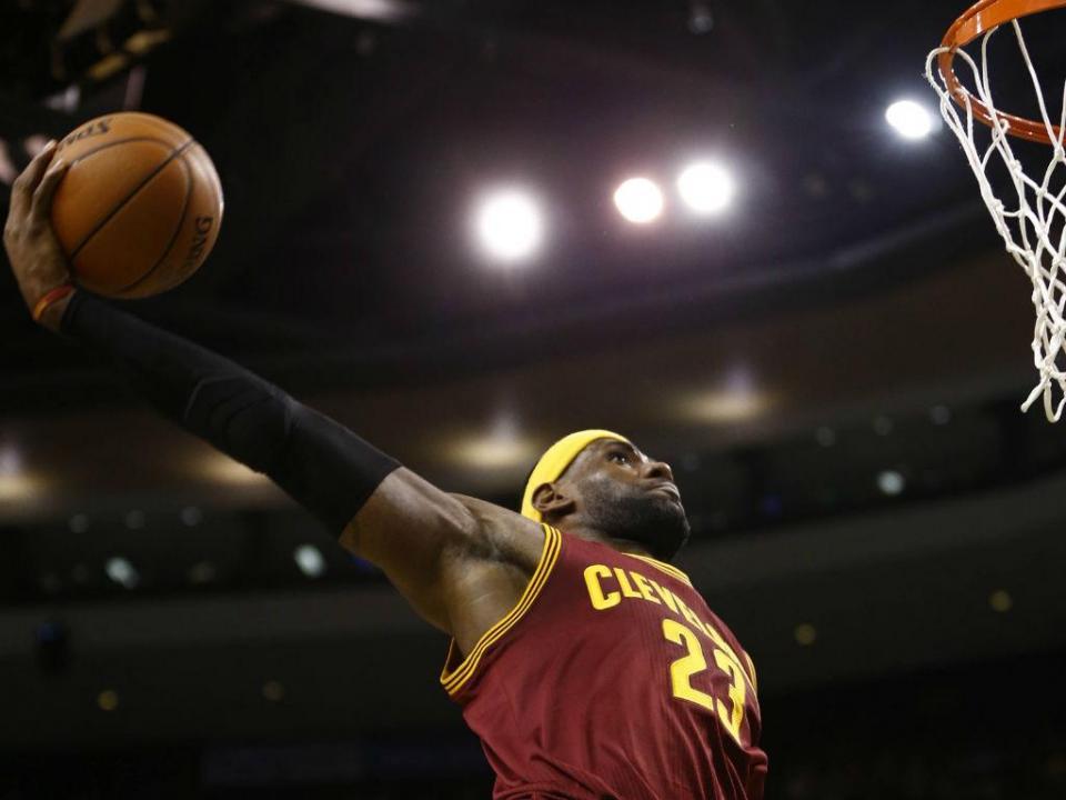 NBA: 57º triplo-duplo de LeBron na vitória dos Cavs