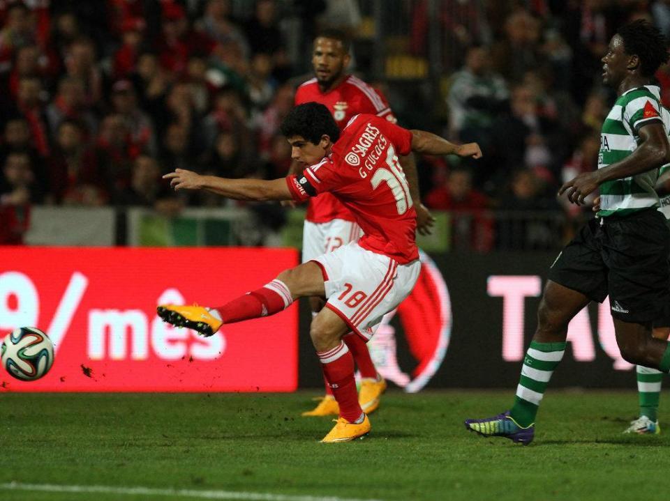 Gonçalo Guedes  65 minutos depois já era o «novo Ronaldo ... ea27090d242f1