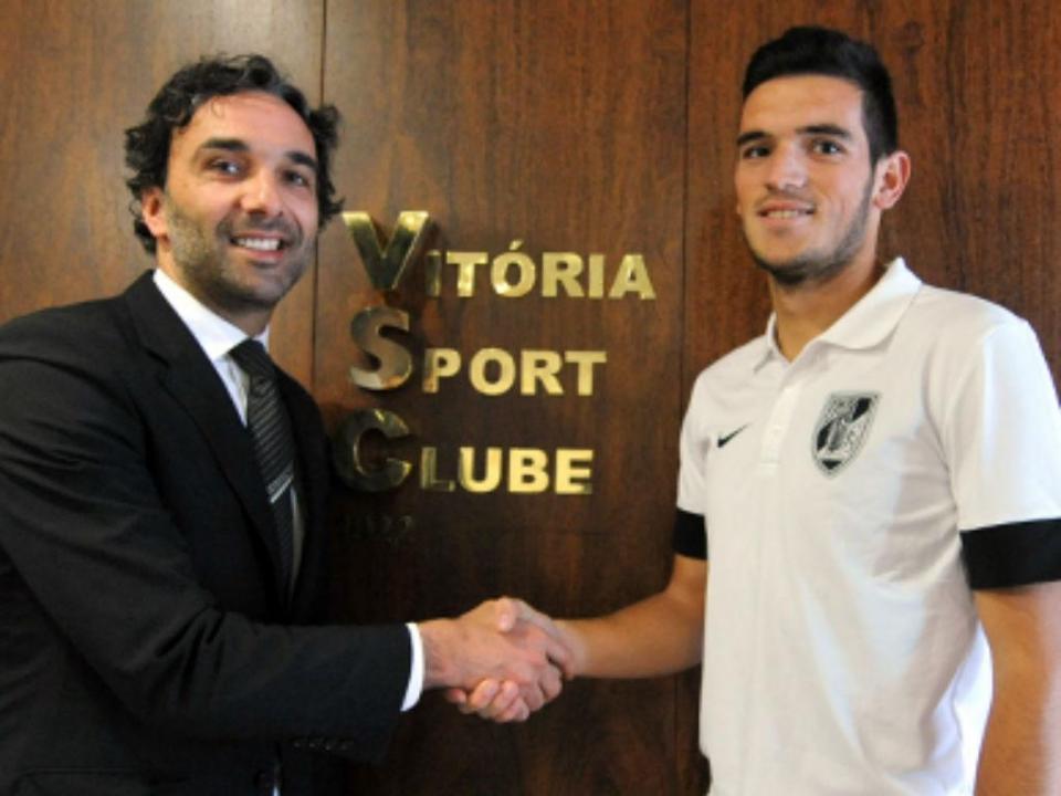 Dénis Duarte confirmado na equipa de Maradona