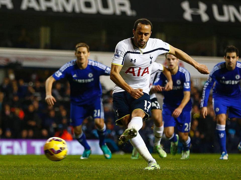 Tottenham: Andros Townsend afastado do plantel por indisciplina
