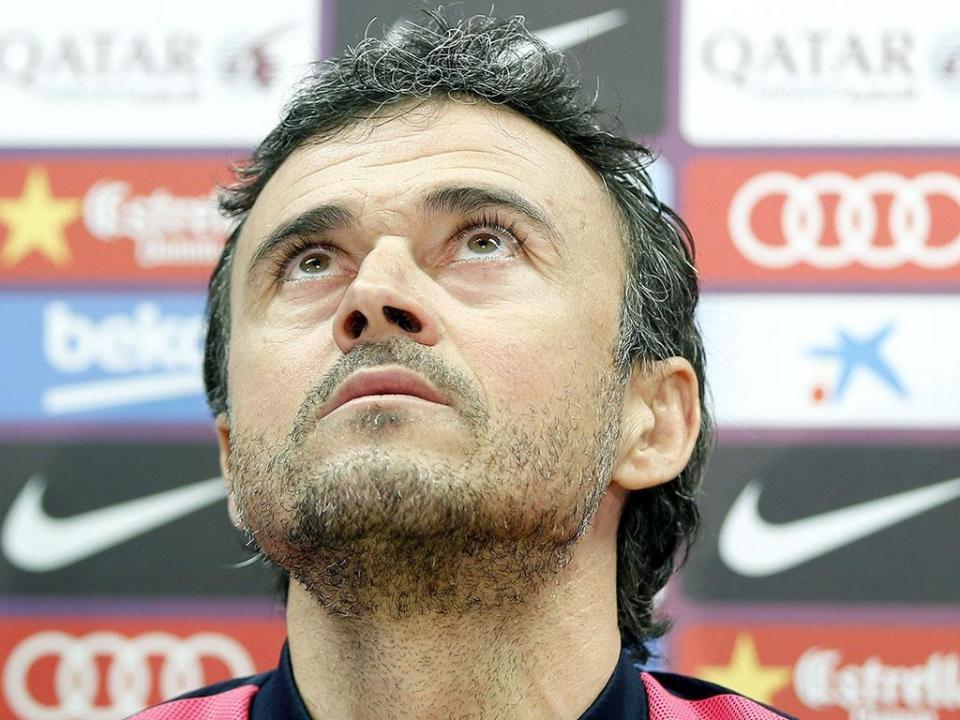 Douglas  aumenta baixas do Barcelona para seis
