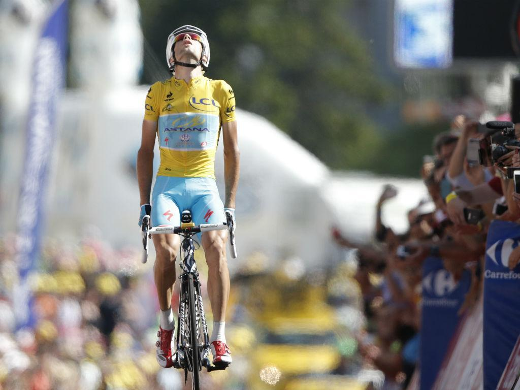 Nibali vence Volta à Lombardia pela segunda vez