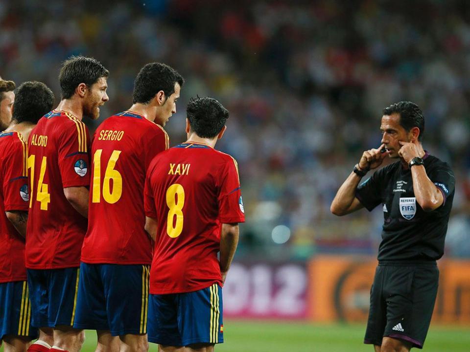 3c0c7bcf6d79f Euro 2016  UEFA anuncia lista de árbitros sem portugueses