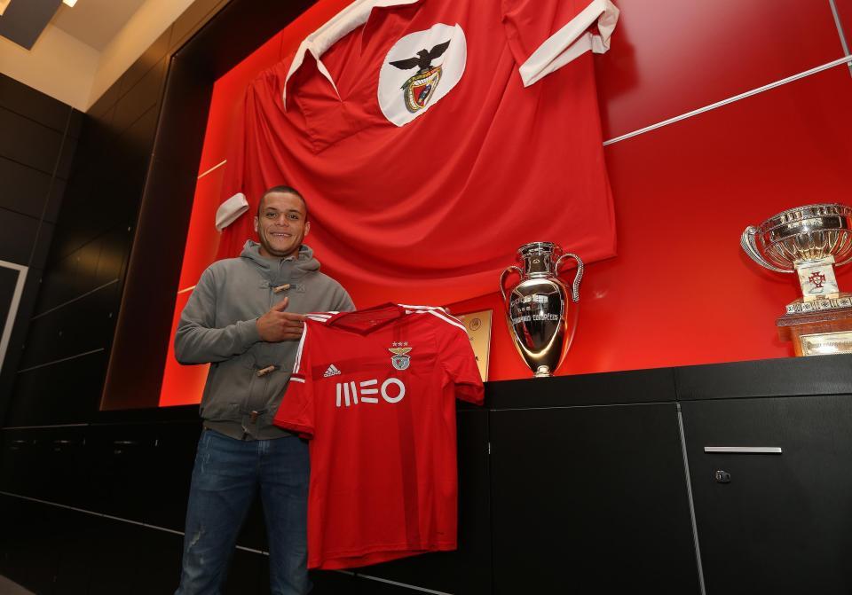 OFICIAL: Jonathan Rodríguez é do Benfica