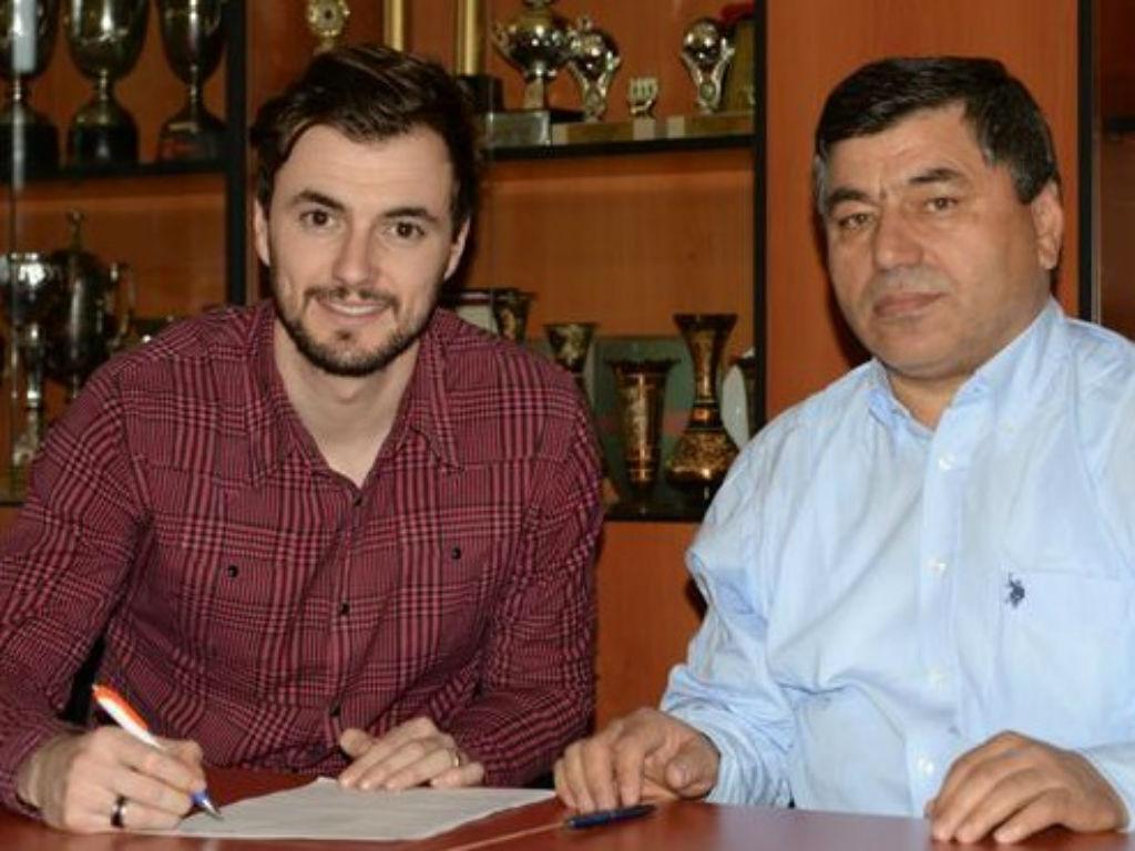OFICIAL: Mário Felgueiras assinou pelo Konyasport