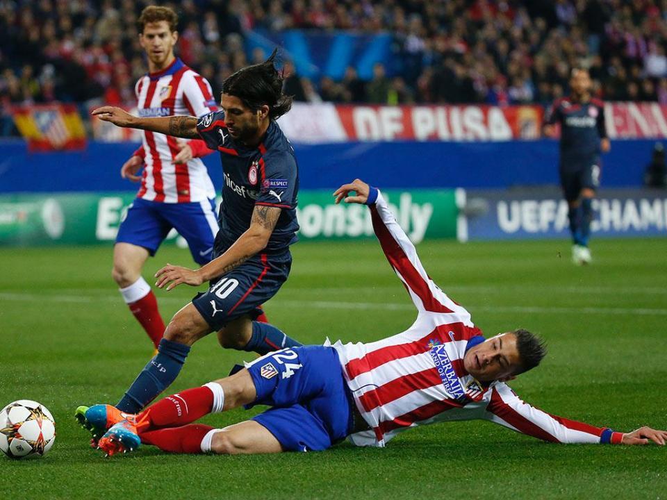 Atlético: Giménez assustou mas deverá jogar dérbi de Madrid