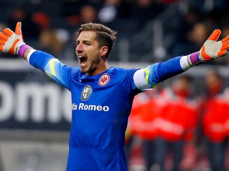 OFICIAL: Trapp é reforço do Eintracht Frankfurt