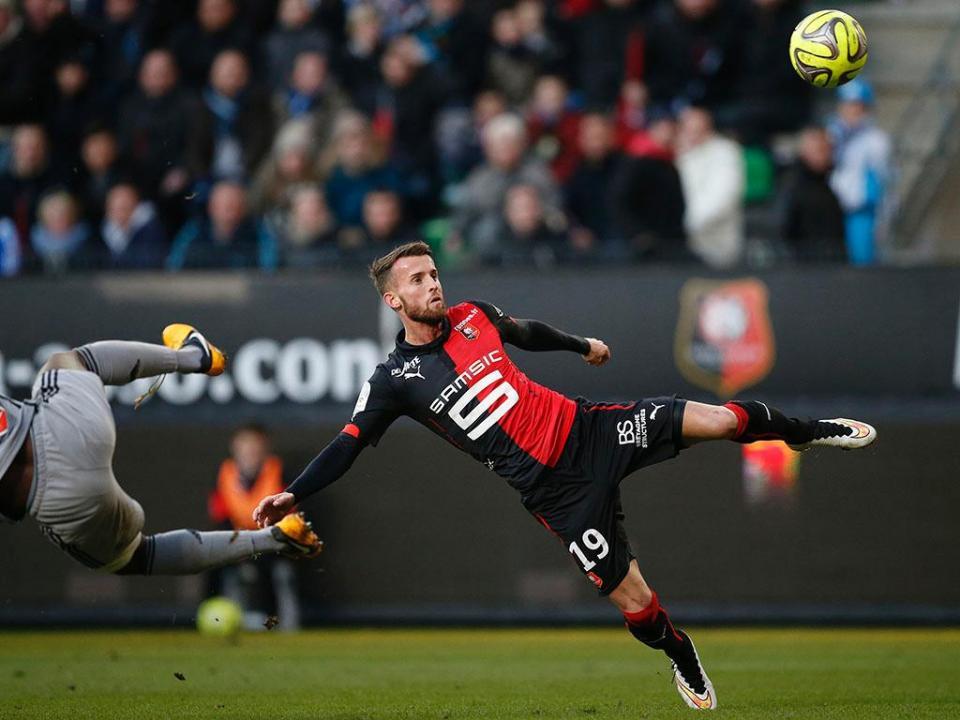 França: Rennes garante defesa Ludovic Baal