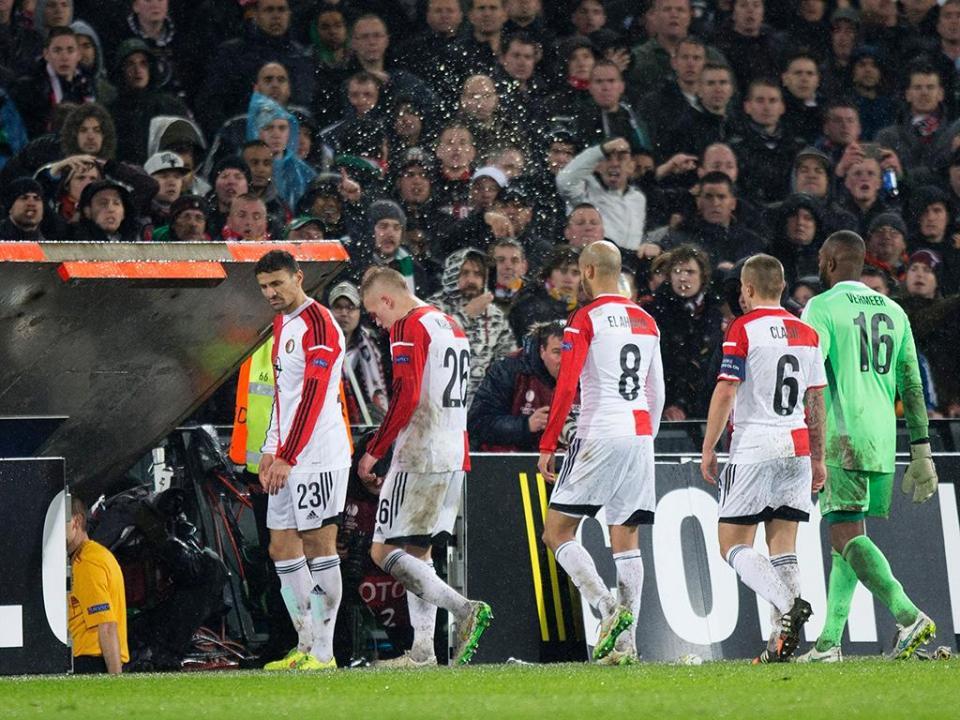 Holanda: Feyenoord perde contra dez e deixa Ajax sozinho na liderança