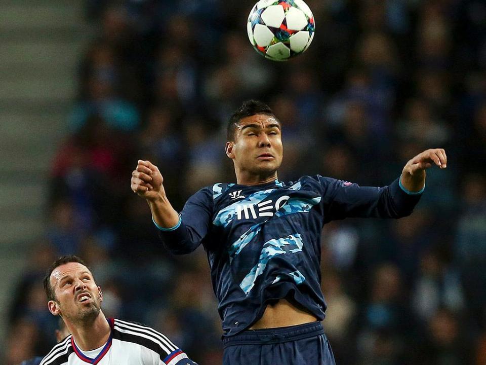 Jogador do FC Porto marcou de livre direto ao Basileia 2b81577ba2614