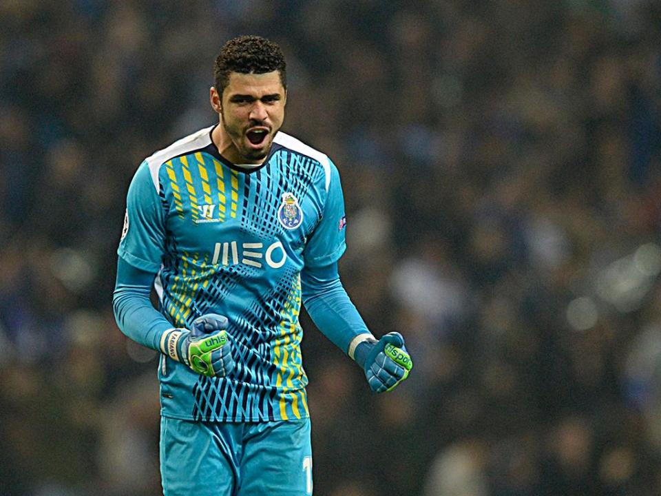 FC Porto: Fabiano novamente a caminho do Fenerbahçe