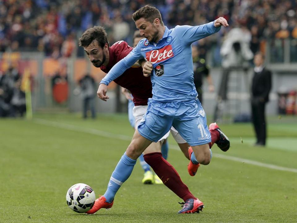 Nápoles vence em Roma e Juventus pode aproveitar