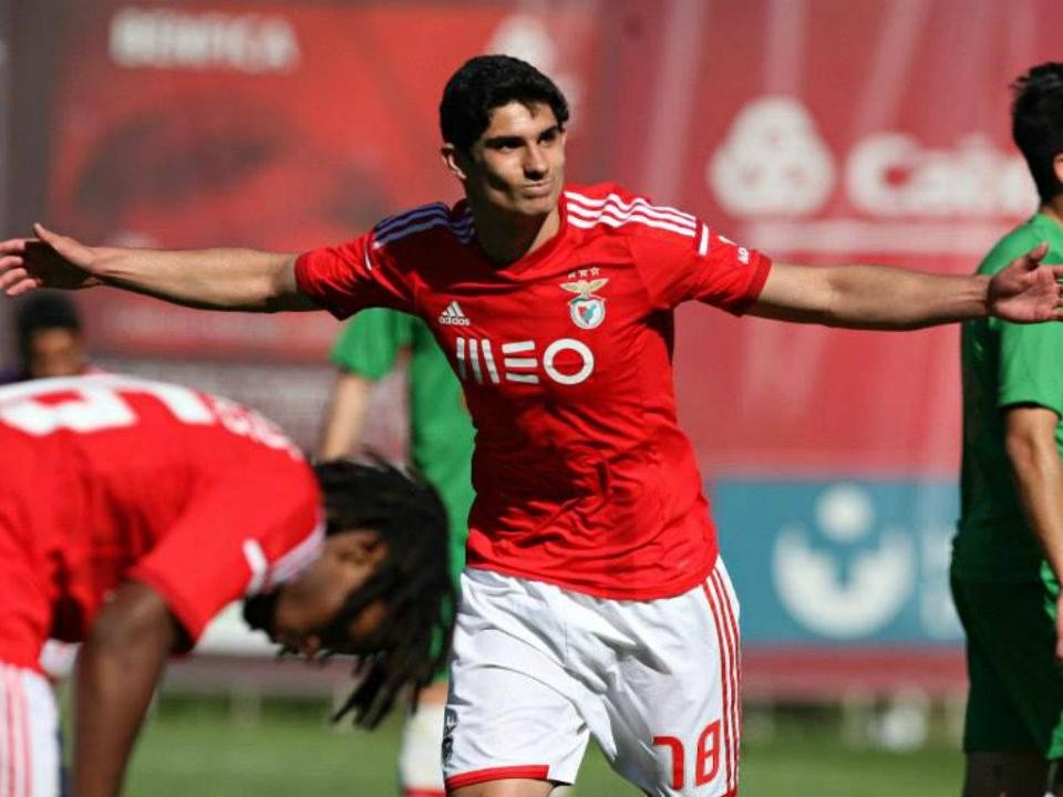 Golden Boy: Gonçalo Guedes e Rúben Neves nomeados