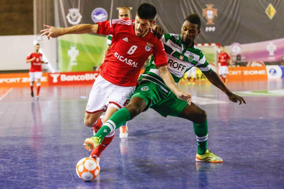 3147d74754 Final futsal  Benfica vence Sporting por 2-1