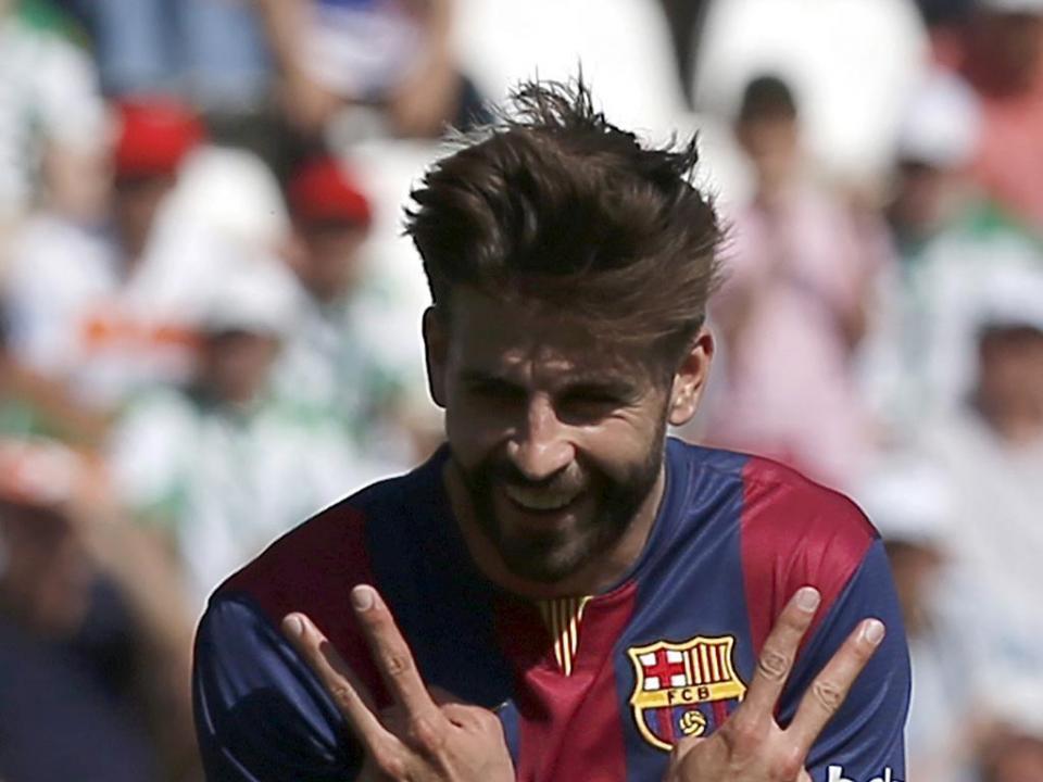 Barça: Piqué teve alta hospitalar, mas vai continuar em tratamento