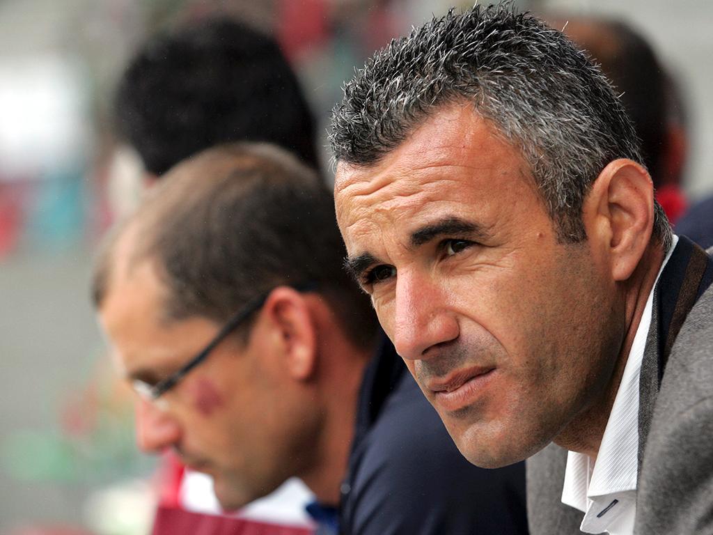 Académica confirma oficialmente saída do treinador Ivo Vieira