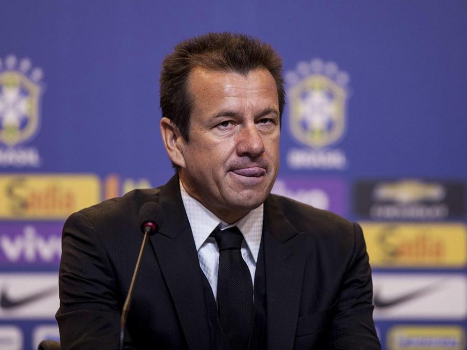 Seleção brasileira: Dunga troca Neymar e David Luiz por «novatos»