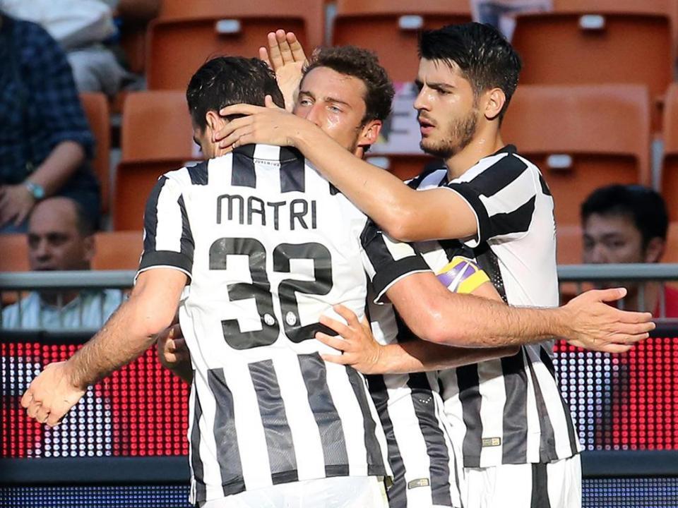 Itália: Sassuolo contrata Matri ao Milan