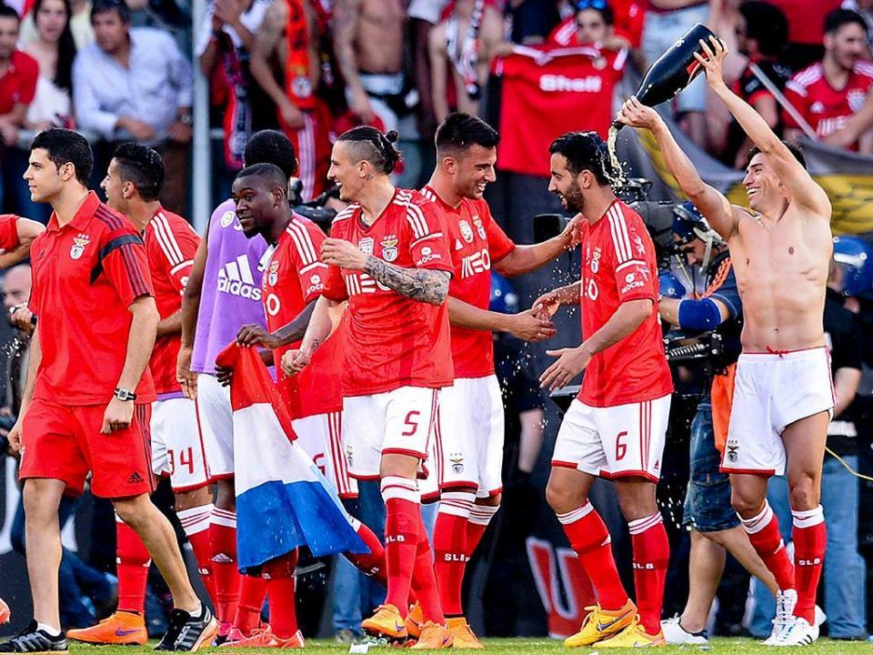 Benfica bicampeão: 28 com as faixas e dois à espera