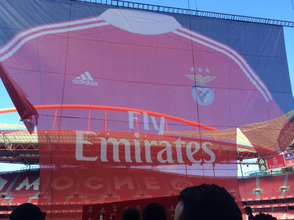 Benfica: Vieira anuncia renovação com a Emirates