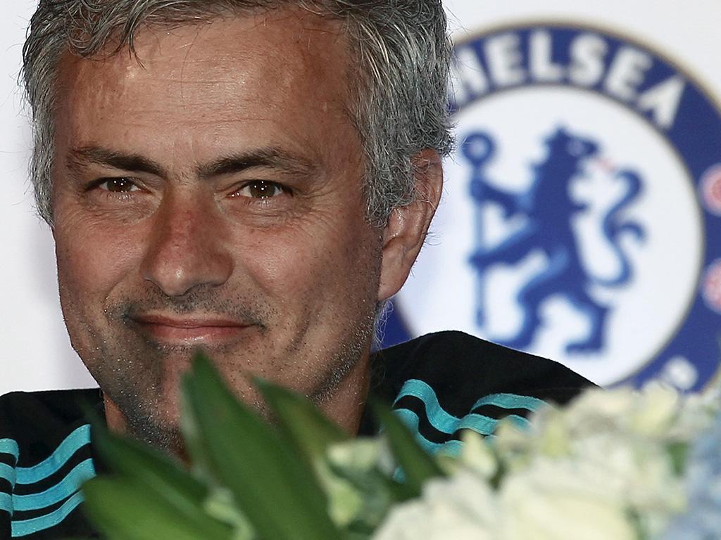 Mourinho critica gastos de FC Porto e Sporting