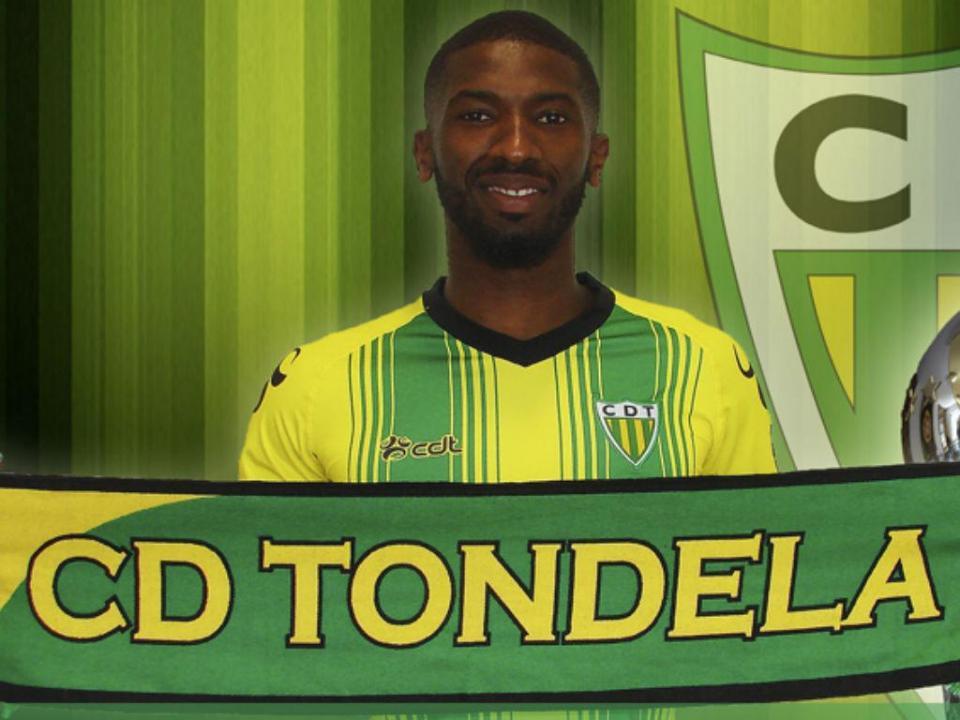 OFICIAL: Tondela renova com Hélder Tavares